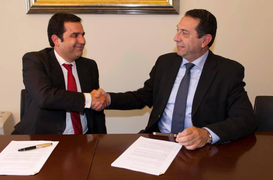 Firma convenio de colaboración entre Plus Majoristes Financers y el Col·legis i  Associació d'Agents Immobiliaris de Catalunya (API'S)