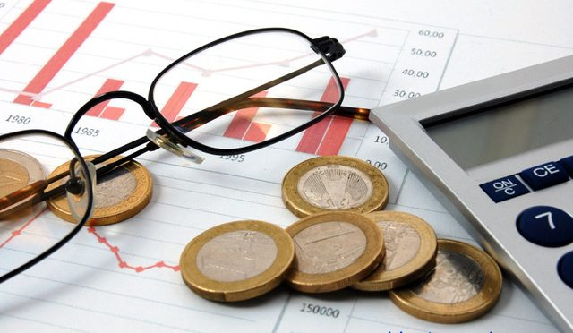 Per què descendeix la rendibilitat de bons i dipòsits i no baixen les hipoteques